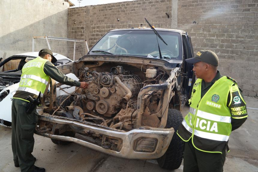 Hallaron desvalijado camión relacionado con accidente en La Guajira