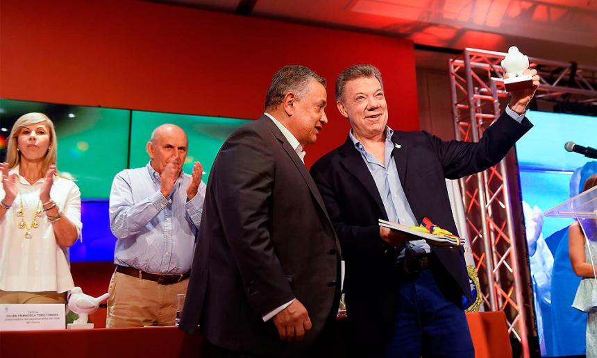 'Lucha contra la corrupción debe llegar hasta el final': Santos