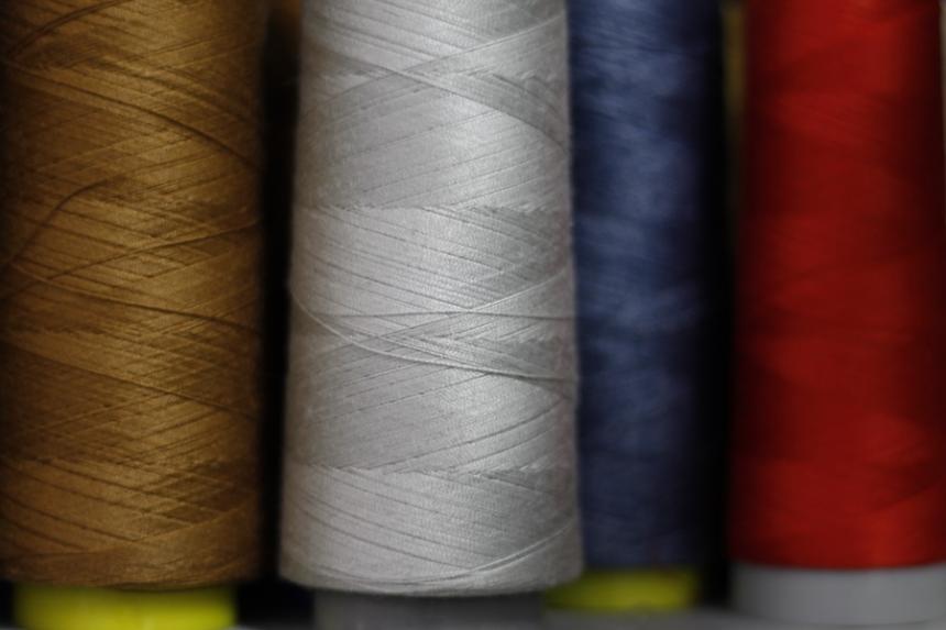 Fabricato suspenderá su producción industrial debido a la masiva importación de telas