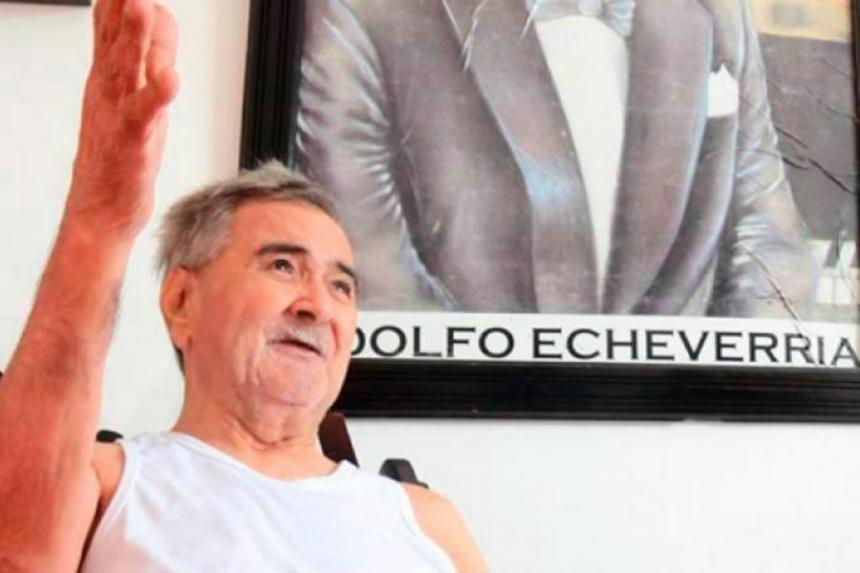Homenaje para Adolfo Echeverría