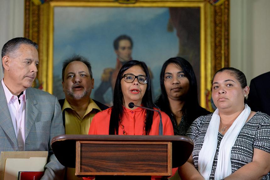 Presidente Maduro solicita aplicar justicia contra promotores de agresiones a la patria