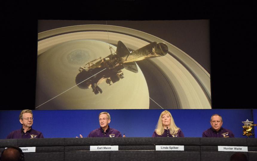 COLOMBIA: En vivo: la sonda Cassini se estrella contra Saturno