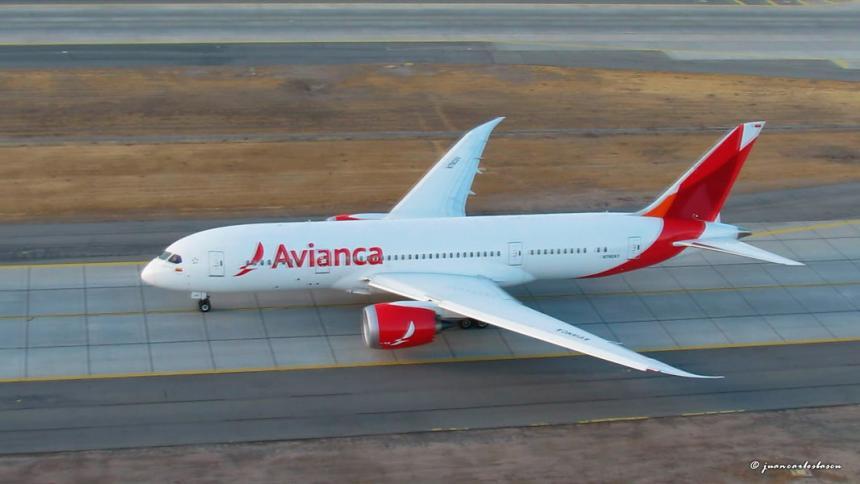 Cuatro días de paro de Avianca cancela 51% de vuelos