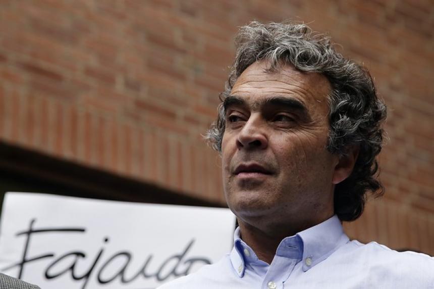 Bienes de Sergio Fajardo son embargados por responsabilidad fiscal