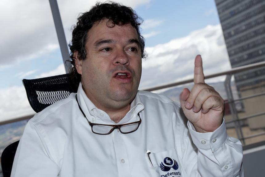 Procuraduría suspende por tres meses al superintendente de Salud, Norman Julio Muñoz