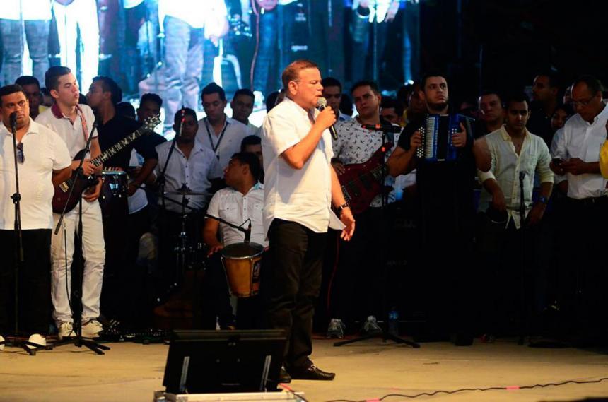 Atracan a Iván Villazón y su agrupación en el sur del Cesar