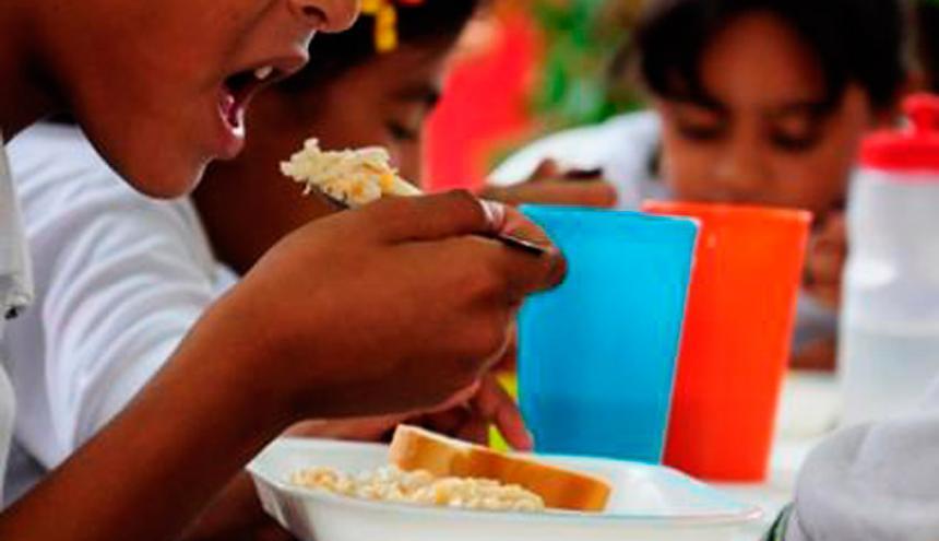 Por recorte presupuestal, 50 mil estudiantes de Antioquia se quedarían sin alimentación