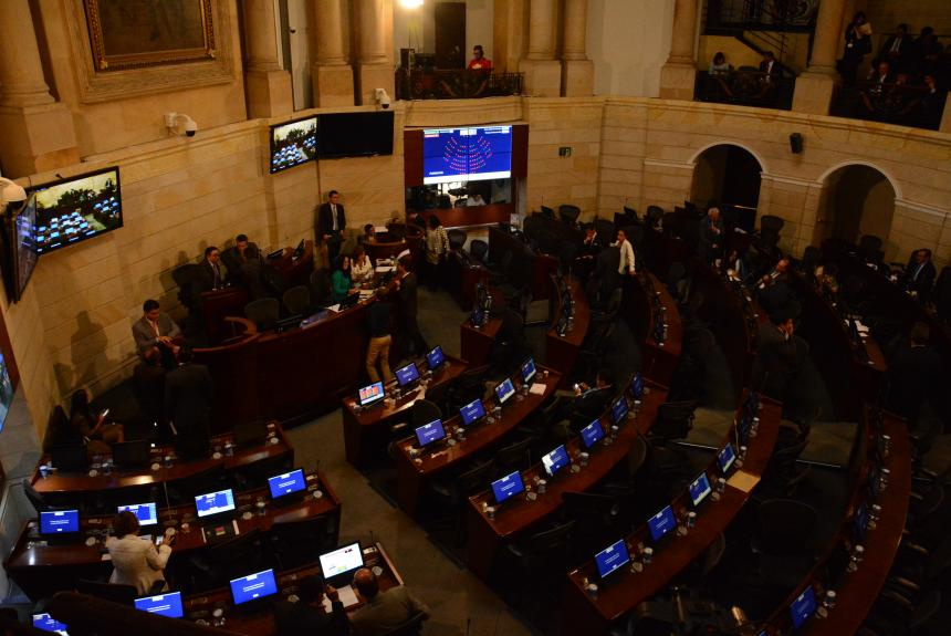 Continúa debate de la JEP en Senado