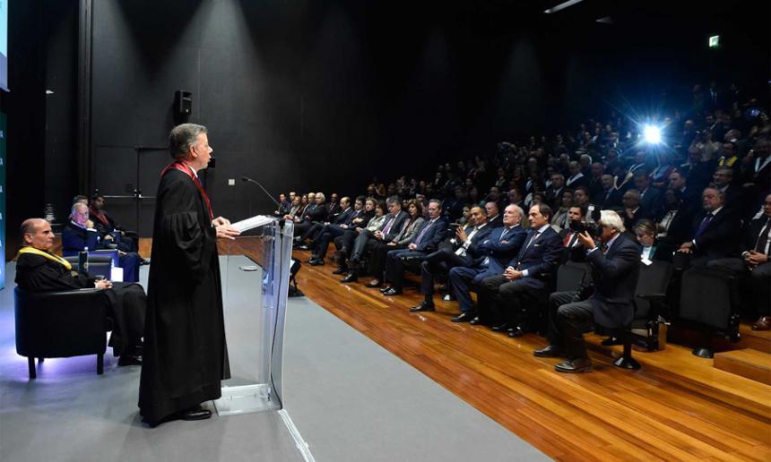 Las FARC salen definitivamente de la lista de terrorista de la UE