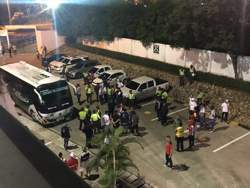 Dimayor suspende partido de Junior por ataque al bus donde viajaba Pasto