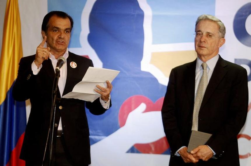 Uribe negó candidatura presidencial a Óscar Iván Zuluaga
