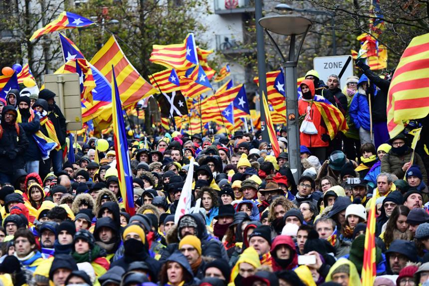 Multitudinaria manifestación en Bruselas a favor de la independencia de Cataluña