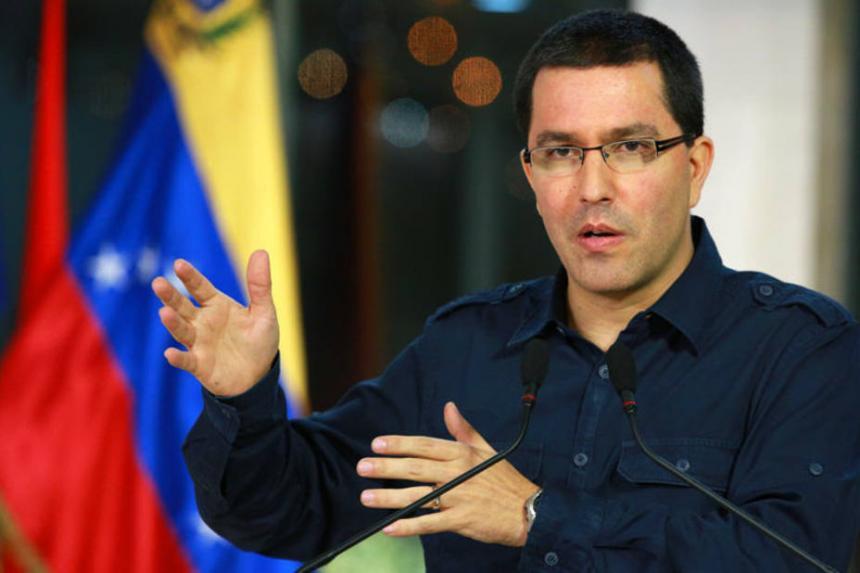 En Venezuela hay una democracia vigorosa cuestionada por el imperio — Arreaza
