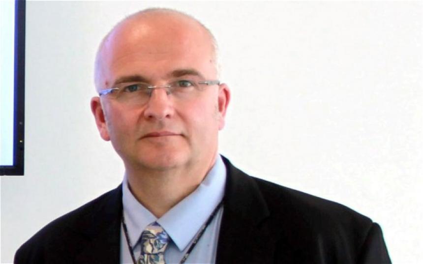 Cirujano confiesa que firmó 'SB' en hígados de pacientes