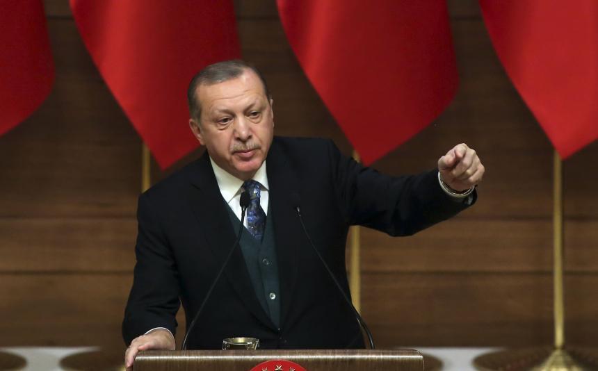 Turquía pide al mundo no venderse por dólares en voto sobre Jerusalén