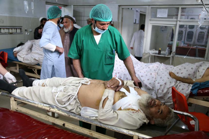 Hombre mata a 12 personas en funeral de funcionario en Afganistán