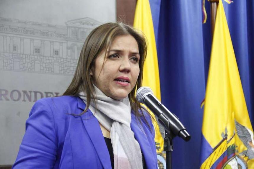 Presidente de Ecuador analiza terna para reemplazar a vicepresidente