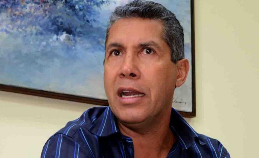 Henri Falcón formalizó su candidatura pese a decisión de oposición venezolana