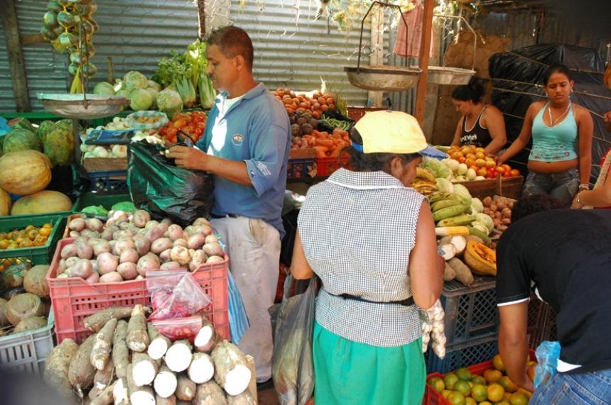 La inflación en Colombia en febrero subió 0,71%, confirmó el Dane