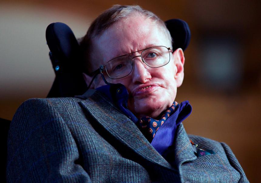 Critican a Neymar por compararse con Stephen Hawking