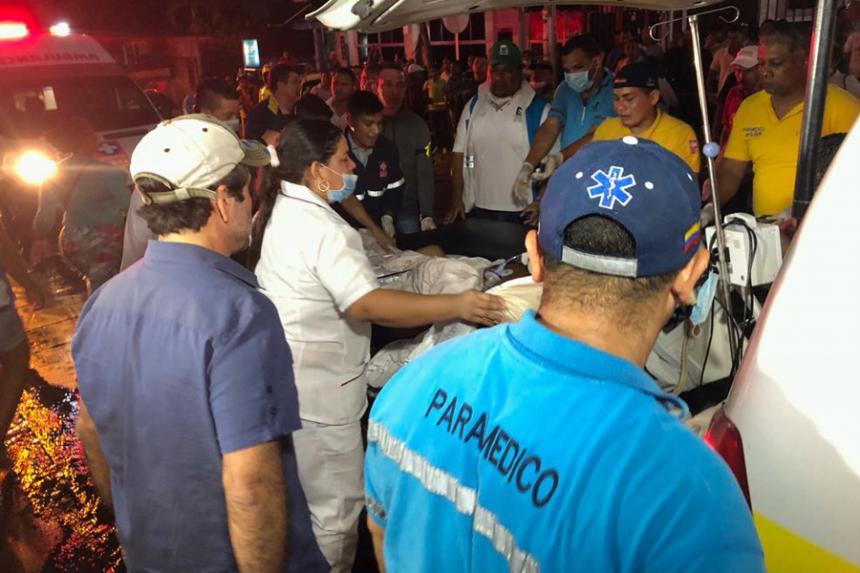 Cientos de pacientes evacuados por incendio en una clínica de Barranquilla
