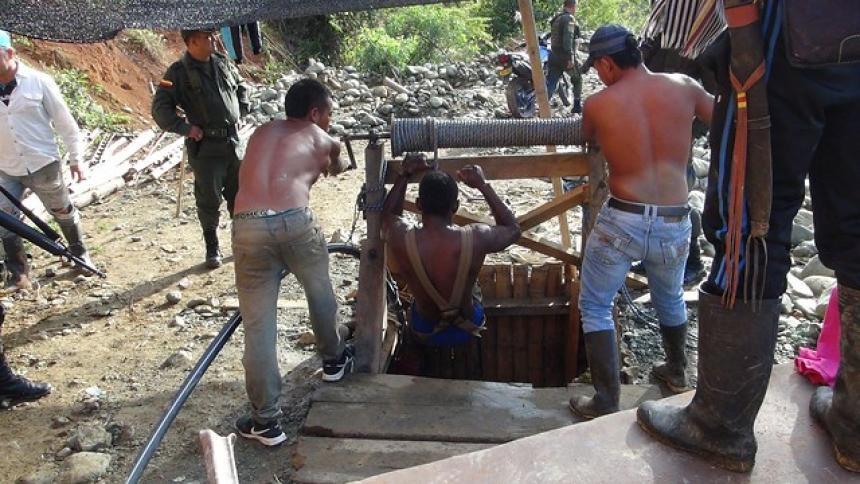 Derrumbe de mina ilegal deja dos muertos en Santander de Quilichao, Cauca