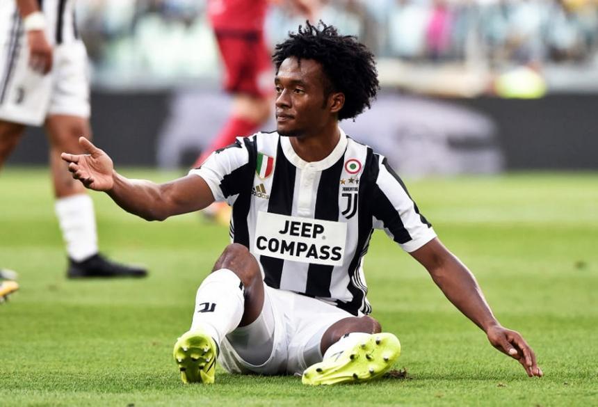 Juventus venció al Milan y se aleja del Napoli