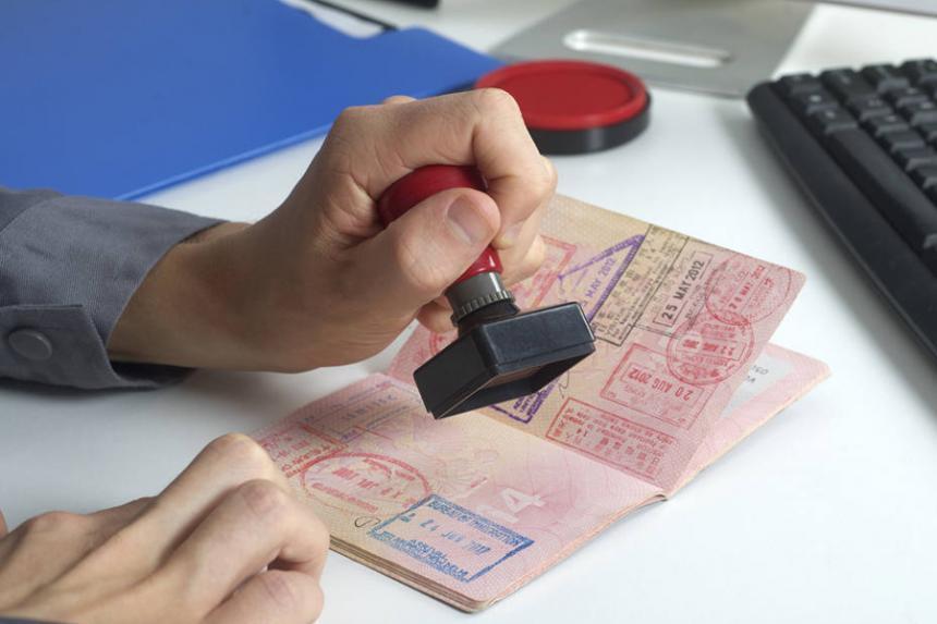 Escudriñarán las redes sociales de los que soliciten visas