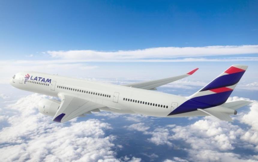 Latam pide mediación obligatoria y aplaza modificar sus vuelos — Huelga de tripulantes