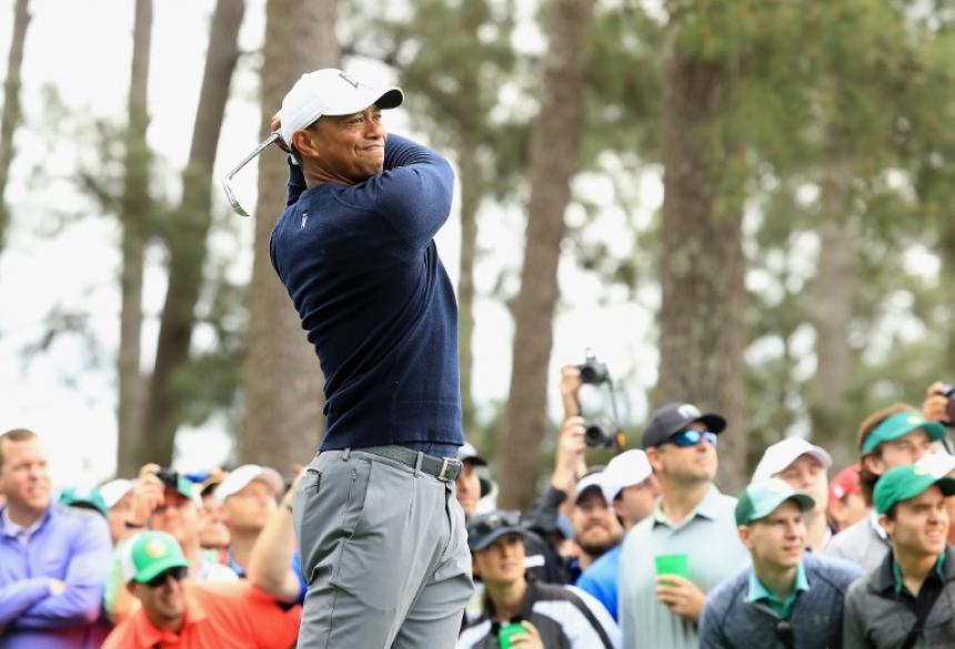 El gran Tiger Woods bendice a Niemann: