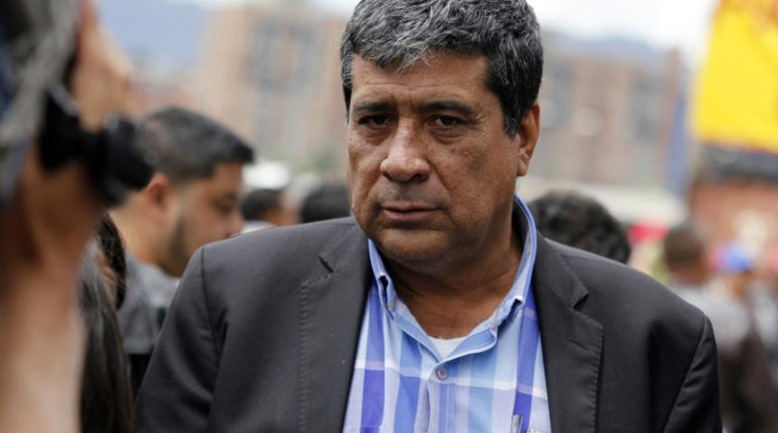 Líder de paro camionero queda libre por falso fiscal