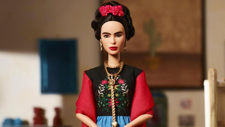 Prohíben muñecas Barbie de Frida Khalo