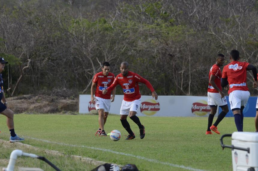 Aberto Rodríguez se vuelve a lesionar con Junior y preocupa