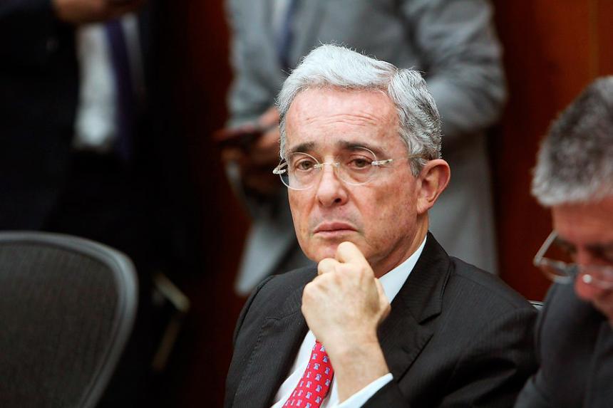 Uribe alerta sobre posible atentado en su contra