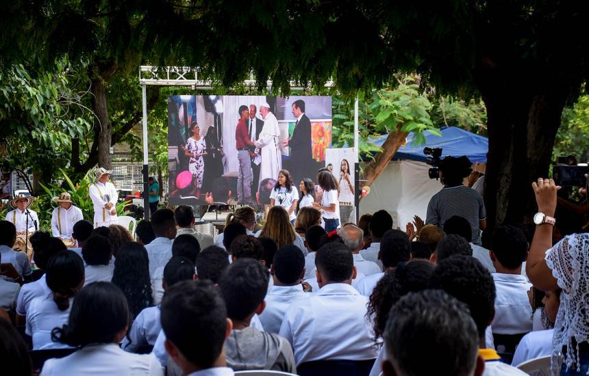 El Papa habló con chicos argentinos y les aconsejó cómo votar