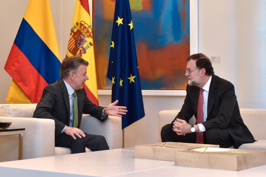 Santos y Rajoy piden una solución