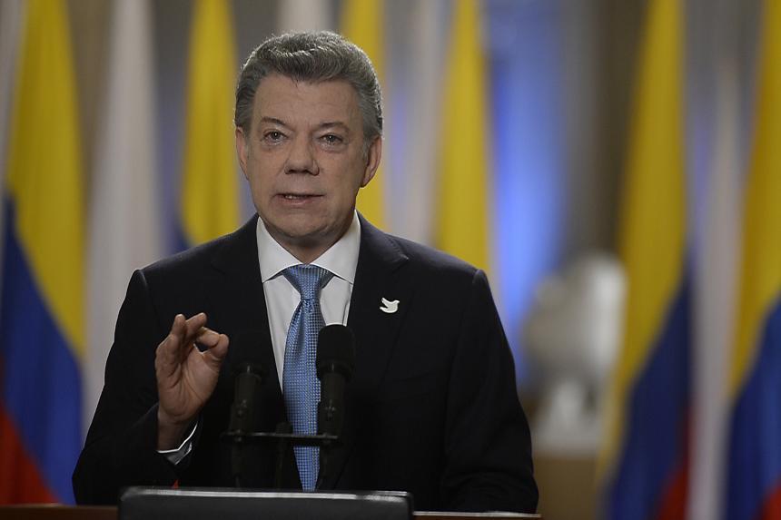 Santos pide a colombianos votar temprano y gozar Rusia 2018
