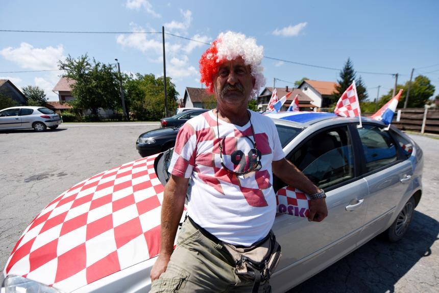 Aficionados reciben como campeones a los futbolistas de Croacia