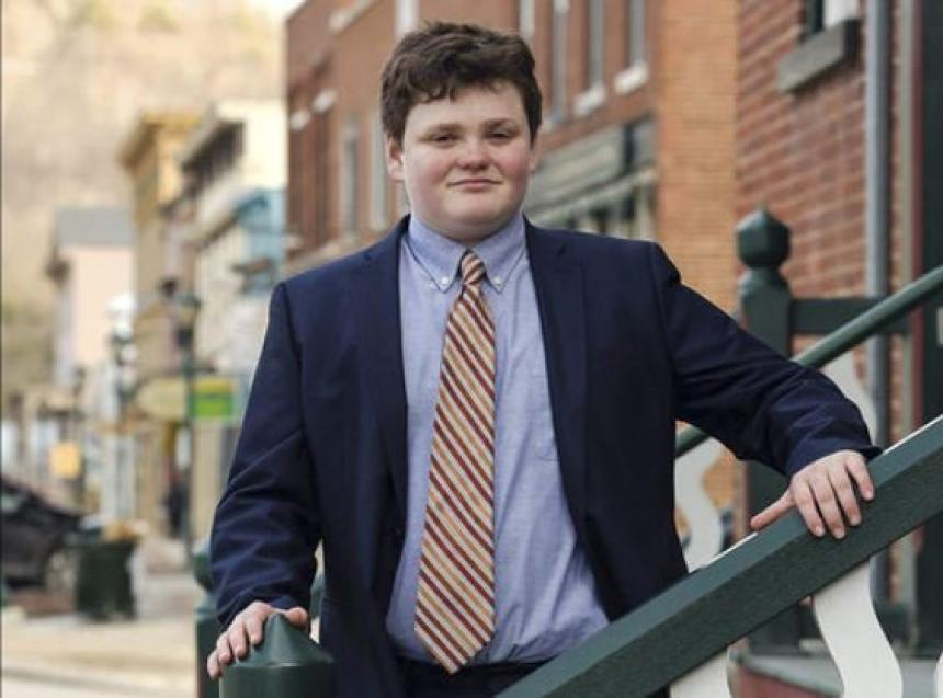 Estudiante de 14 años se postula para gobernador en EE. UU
