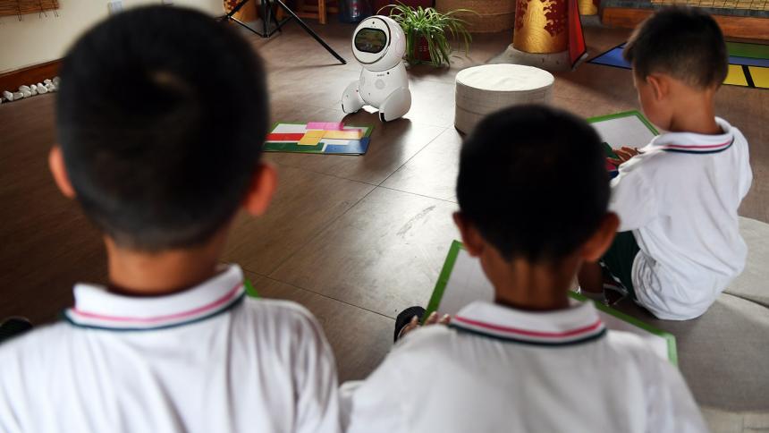 Profesores robots ya dictan clases en 600 escuelas de China