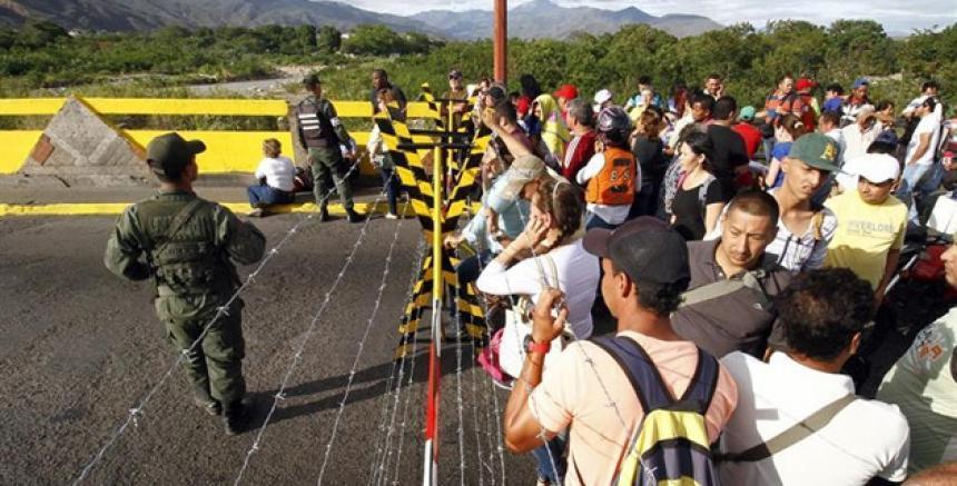 Canciller colombiano inició gira por Europa para tratar migración venezolana