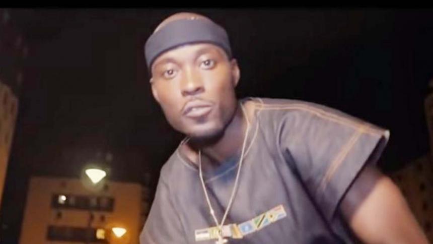Fiscalía investiga a rapero francés que llama a matar bebés blancos
