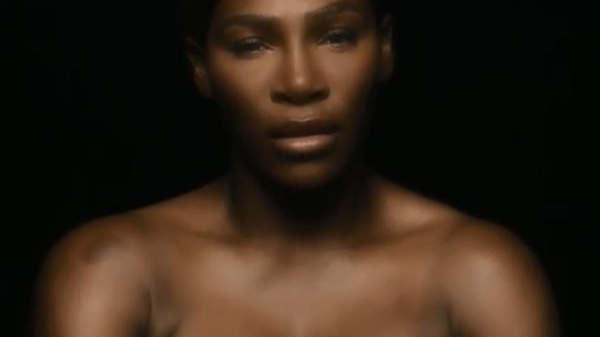 Serena Williams hace un toples contra el cáncer de mama