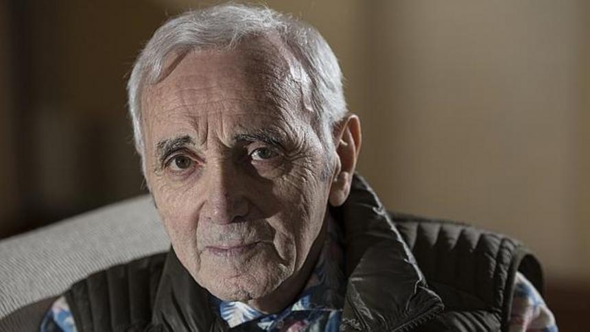 A los 94 años murió el cantante Charles Aznavour