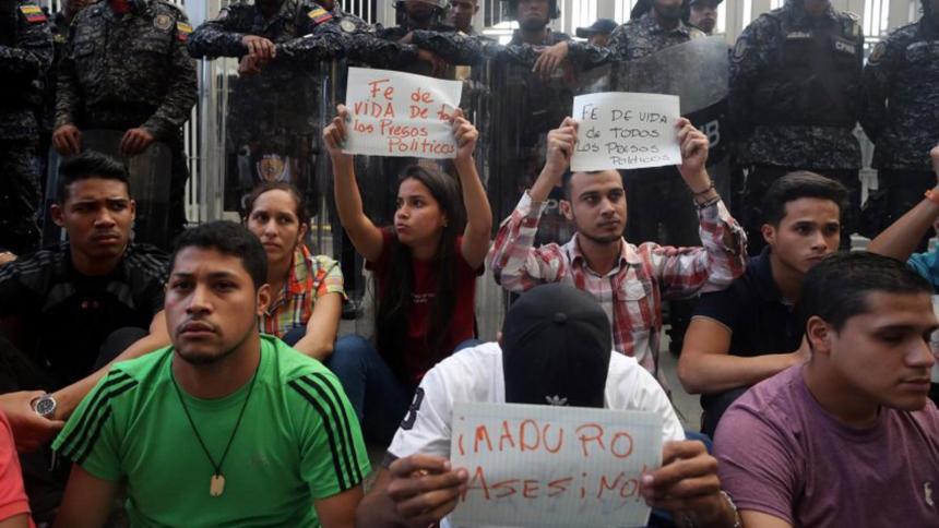 Indignación mundial por la muerte en comisaría del opositor venezolano