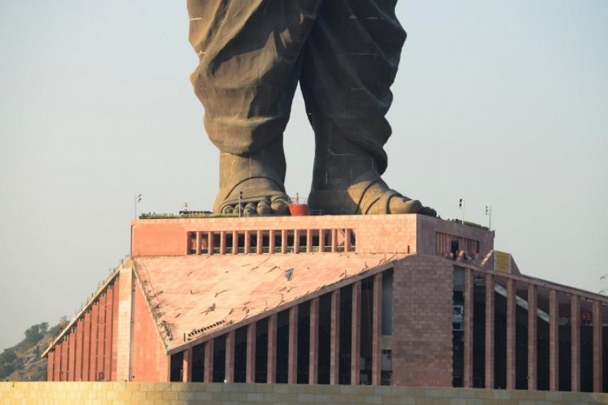 FOTOS: País inaugura la estatua más alta del mundo