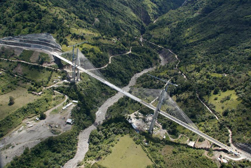 Así se ve el criticado puente Hisgaura — Desde varios ángulos