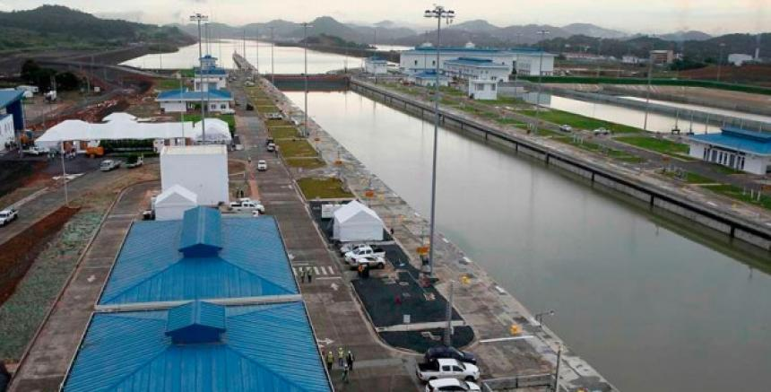 Acciones de Sacyr se desploman tras laudo desfavorable por anticipos del Canal