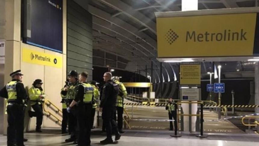 Ataque con cuchillo deja tres heridos en Manchester