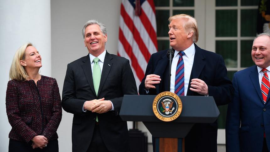 Trump amenaza con declarar emergencia nacional para financiar su muro